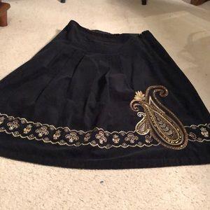 Corduroy skirt with beautiful gold trim